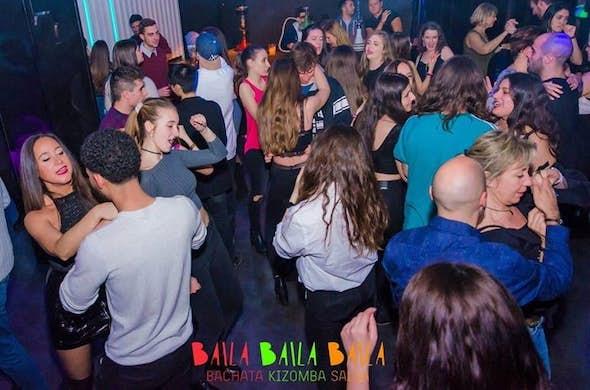 Aprende a bailar bachata y kizomba en Navia Restaurante, Barcelona