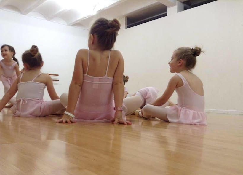 Arabesc Estudio de Danza