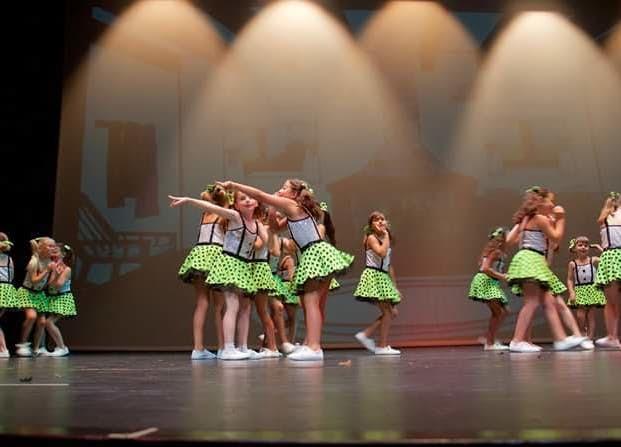 Mandarina Escola de Dansa