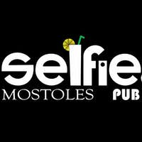 Selfie Pub